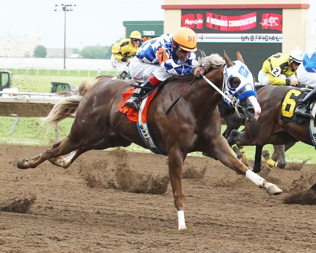 A Mighty Fortune - Minnesota Stallion Breeders' Quarter Horse Futurity - 07-12-15 - R03 - CBY - 004